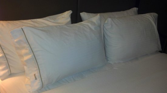 comfy pillows and bed  Picture of Holiday Inn Express