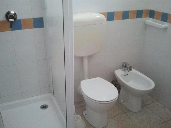 bagno piccolo ma funzionale  Foto di BB Il Girasole Noto  TripAdvisor