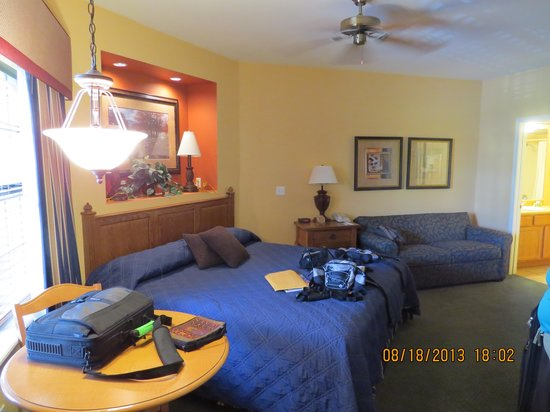 studio bedroom - picture of falls village resort, branson