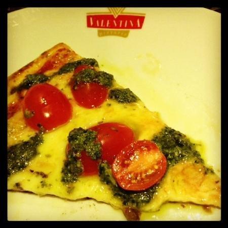 Pizza Basilica Uma Delicia Picture Of Valentina