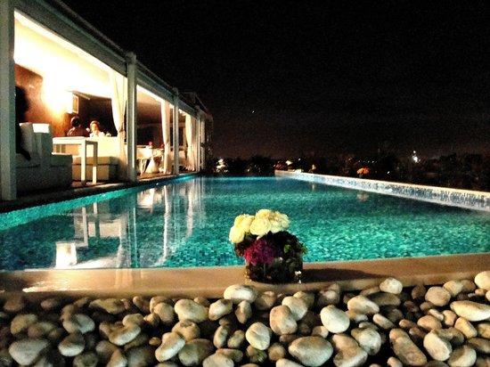 Piscina pensile sulla terrazza  Picture of Boscolo Exedra