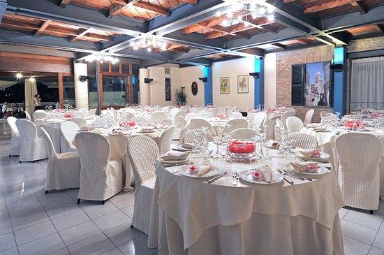 Il Borgo di Bargni dove  situato il Ristorante appresso allAlbergo Casa Oliva  Picture of