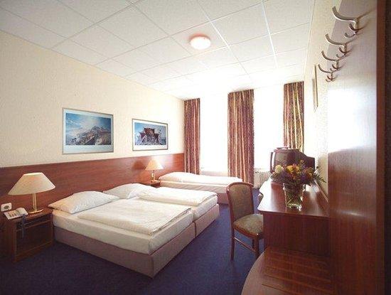 Hotel Terminus 42 7 8 Prices Reviews Hamburg