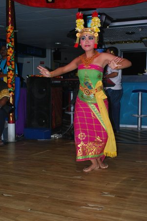 bali dancing picture of