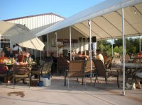 Patio Fun - Bild von Fence Stile Vineyards & Winery ...