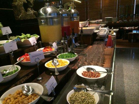 Sen5es Restaurant At Breakfast Picture Of Marriott Suites