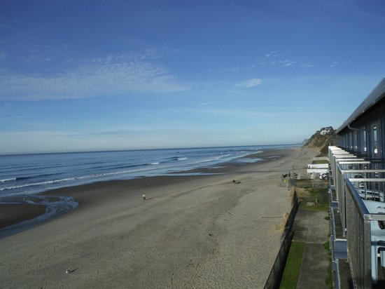 hotels with kitchens in portland oregon kitchen cabinet lock looking up the beach from our balcony - picture of ...