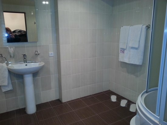 Bathroom Picture Of Nur Hotel Yerevan Tripadvisor