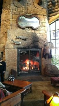Lobby fireplace - Picture of Bass Pro Shops Outdoor World ...