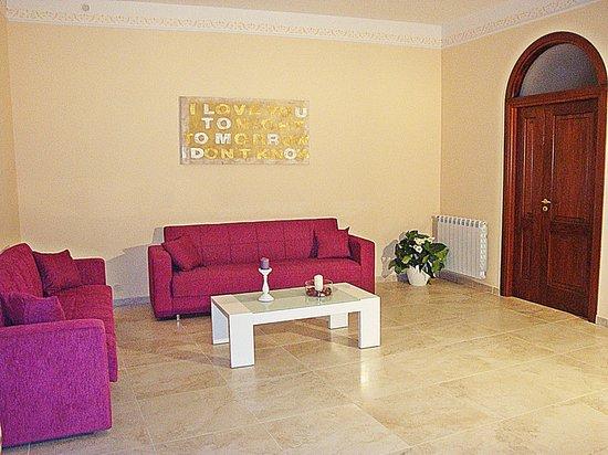 Soggiorno suite Picture of Guest House Kronos Agrigento