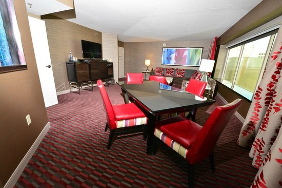 One Bedroom Balcony Suite At Mgm Signature