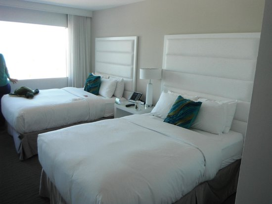Two Queen Beds Picture Of Sonesta Fort Lauderdale Fort