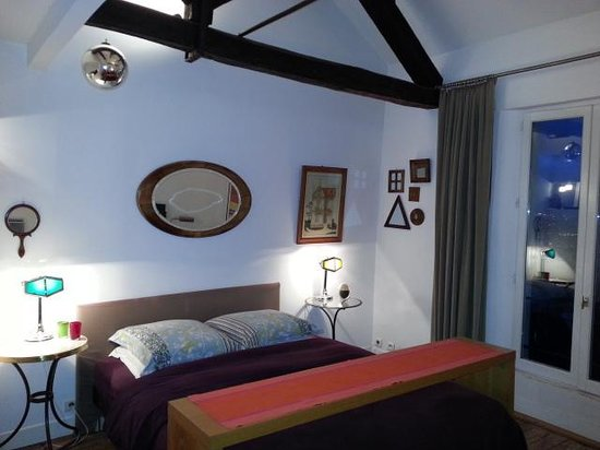 Une Chambre A Montmartre Updated B B Reviews Paris France Tripadvisor