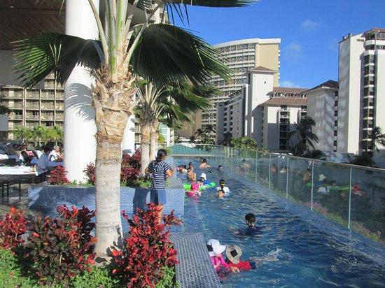 best sofa deals canada king small pool - picture of trump international hotel waikiki ...