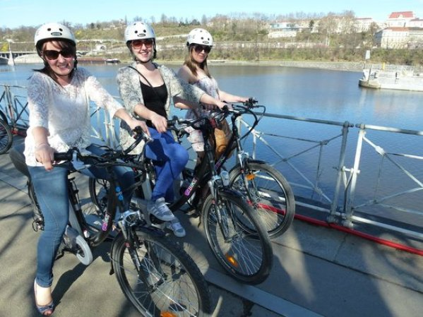 ebike-prague-tours.jpg (550×412)