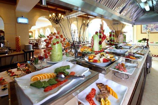 La Veranda Buffet Lunch Picture Of Pullman Al Hamra Hotel