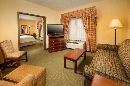 Hampton Inn 2 Bedroom Suites