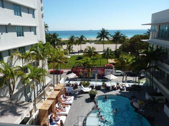 Vue de notre chambre piscine et mer  Picture of Hotel