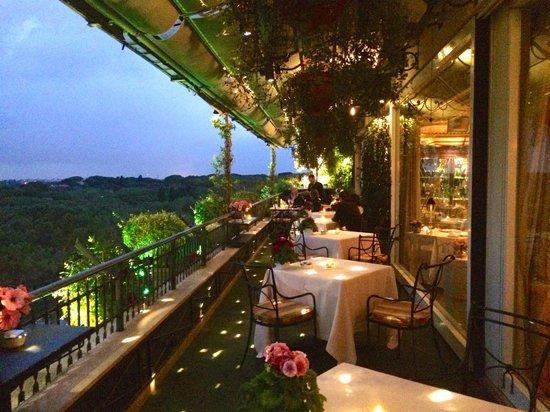 vista dalla terrazza  Picture of Mirabelle Rome