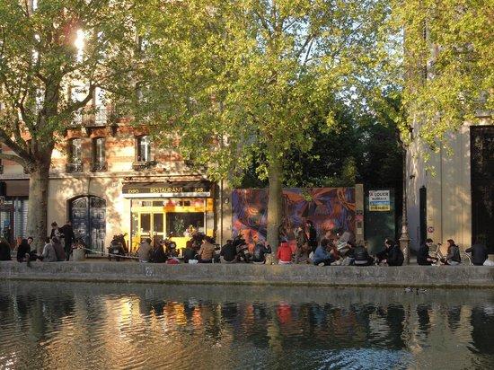 Le Comptoir Gnral Paris  Canal SaintMartin  Restaurant Avis Numro de Tlphone  Photos