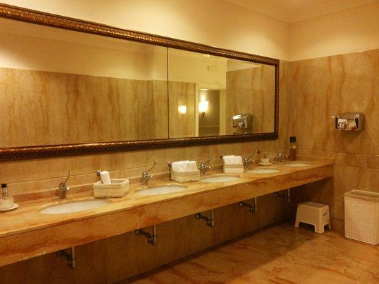 bagno pubblico  Foto di Savoy Beach Hotel Paestum  TripAdvisor