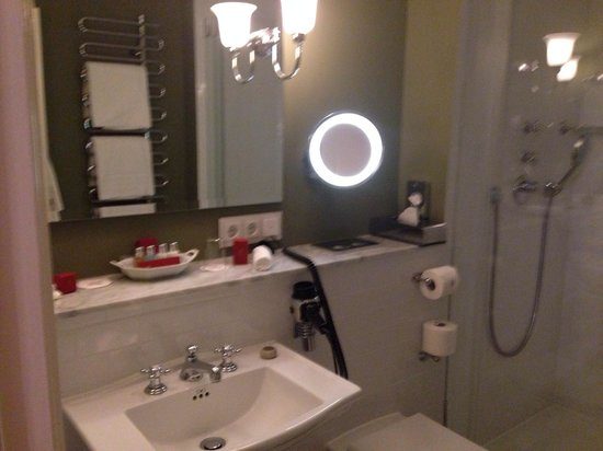 Bathroom with electrical outlets And Molton Brown