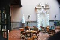 Bar en el Patio Espaol - Picture of Hotel Mercure Sevilla ...
