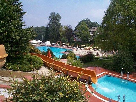 vista dagli acquascivoli  Foto di Cuenca Club Parco Piscina di Monteombraro Modena  TripAdvisor