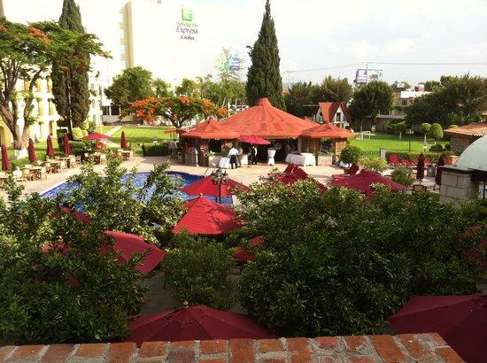 Foto de Holiday Inn Queretaro Centro Historico Queretaro Area de parrilladas  TripAdvisor