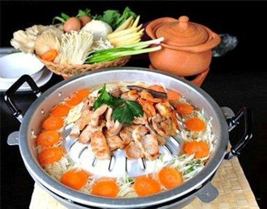 anche cucina Thailandese  Picture of HERITAGE Ristorante Pizzeria Aci SantAntonio