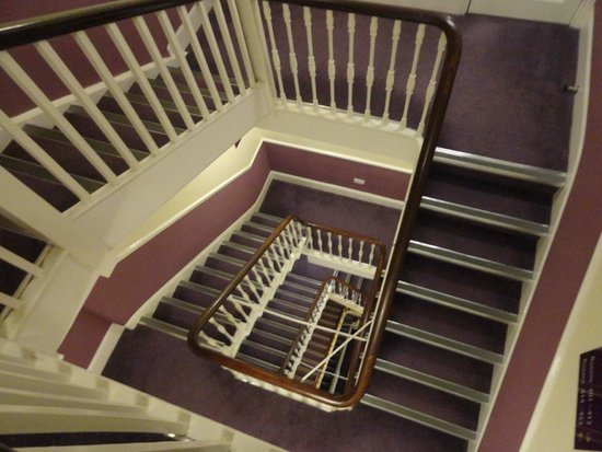 List of Synonyms and Antonyms of the Word: hotel stairs