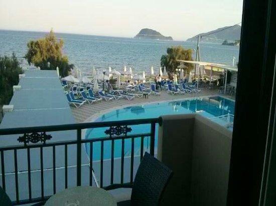 Porto Limnionas - Picture of Mediterranean Beach Resort ...