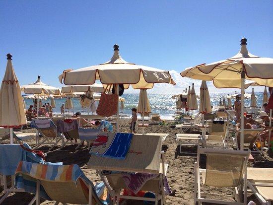 Spiaggia bagni albenga  Foto di Bar Bagni Albenga