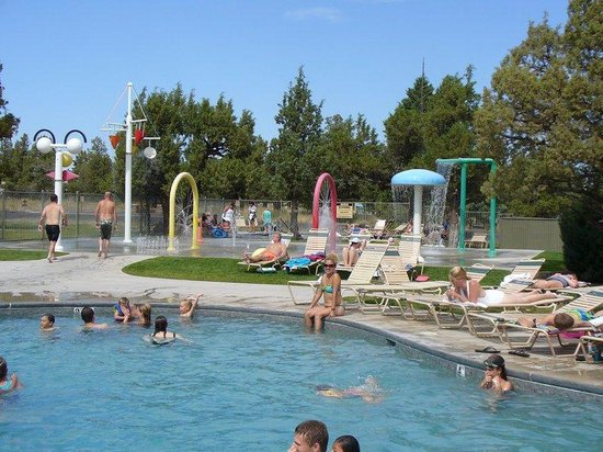Lakeside Sports Center, Swimming Pool & Spray Park