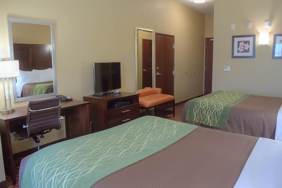 Accessible Room With 2 Queen Beds Picture Of Comfort Inn