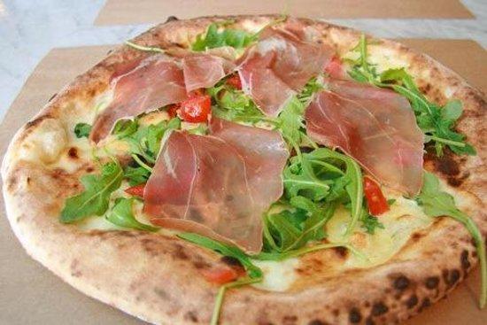 Nutella Calzone  Bild frn Pizza Mezzaluna New York  TripAdvisor