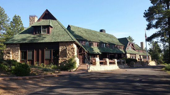 Exterior view of the historic lodge  Picture of Bryce