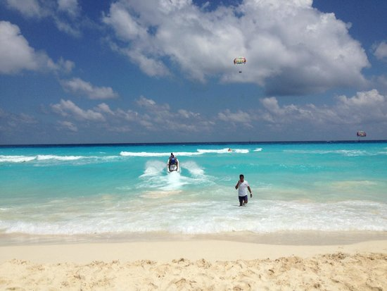Fantastic cancun beaches and water sports Picture of