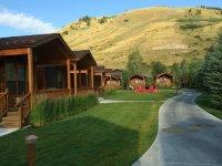 Creekside Cabins - Picture of Rustic Inn Creekside Resort ...