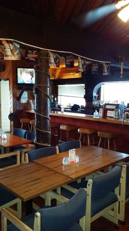 Troller Restaurant  Lounge Garibaldi  Restaurant