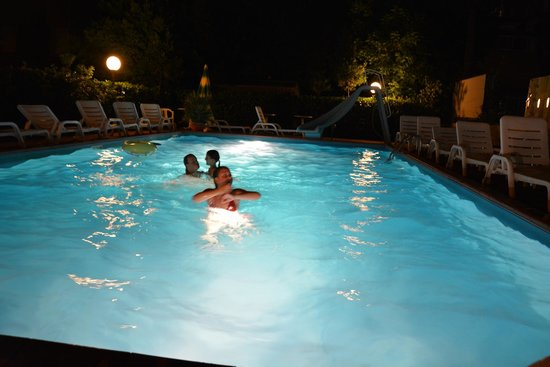 Bagno di notte in Piscina  Foto di Hotel Sympathy Rimini  TripAdvisor