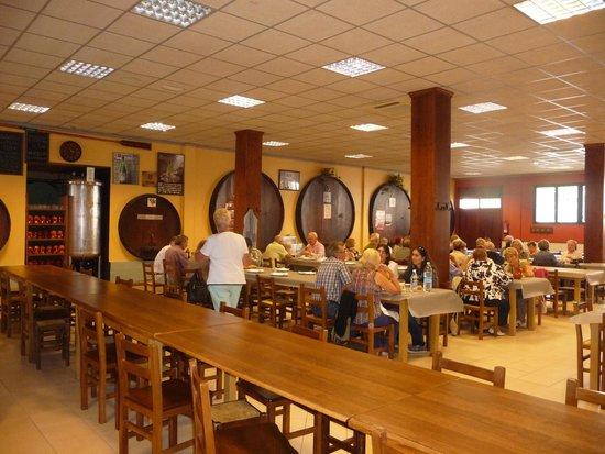 restaurant typique avec ses foudres de vin et cidre  Picture of Sidreria Aginaga Sagardotegia