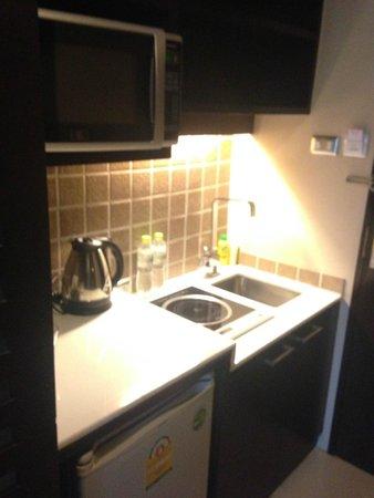hotels with kitchen faucet hose 小廚房 有微波爐 還有電磁爐 曼谷瓦克爾套房酒店的圖片 tripadvisor 瓦克爾套房酒店