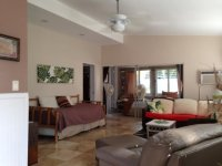 living room (with daybed) & main sleeping area - Picture ...