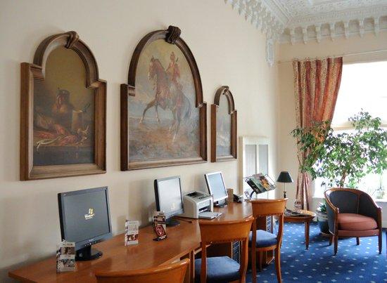 the living room with sky bar %e4%b8%80%e4%bc%91 ceiling fan grand hotel ukraine 69 9 1 prices reviews dnipropetrovsk europe tripadvisor