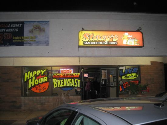 Exterior  Picture of Stacys Smoke House BBQ Mesa