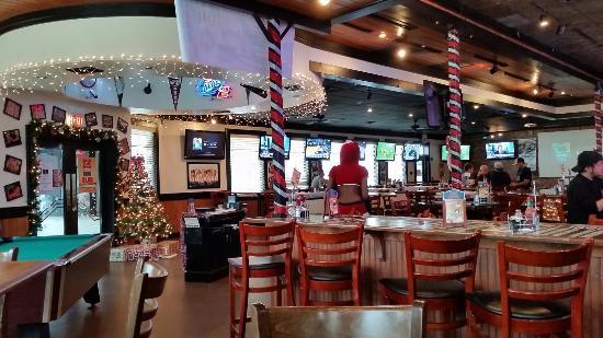 Bikinis Sports Bar  Grill Arlington  Restaurant Reviews