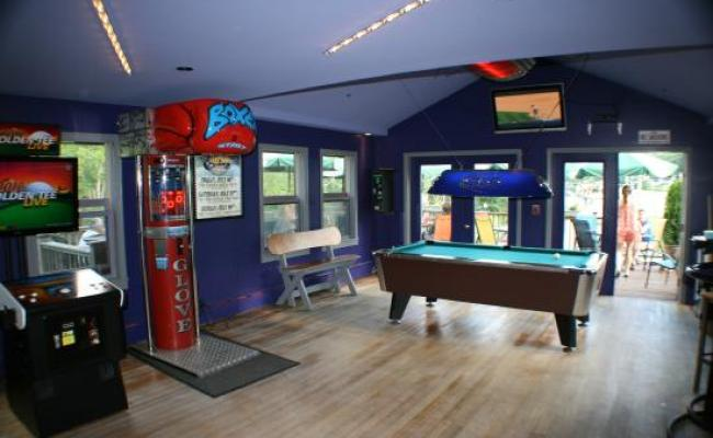 The Game Room Picture Of Jax Food Games Killington