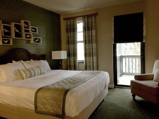Disney S Hilton Head Island Resort King Bed Room In 2br Villa