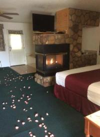 Suite with fireplace and jacuzzi - Picture of Majestic ...